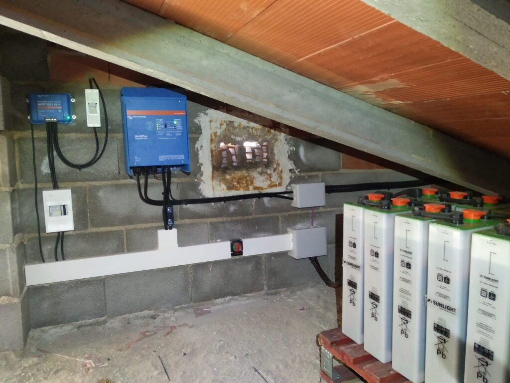 Instalación solar fotovoltaica aislada - Almansa